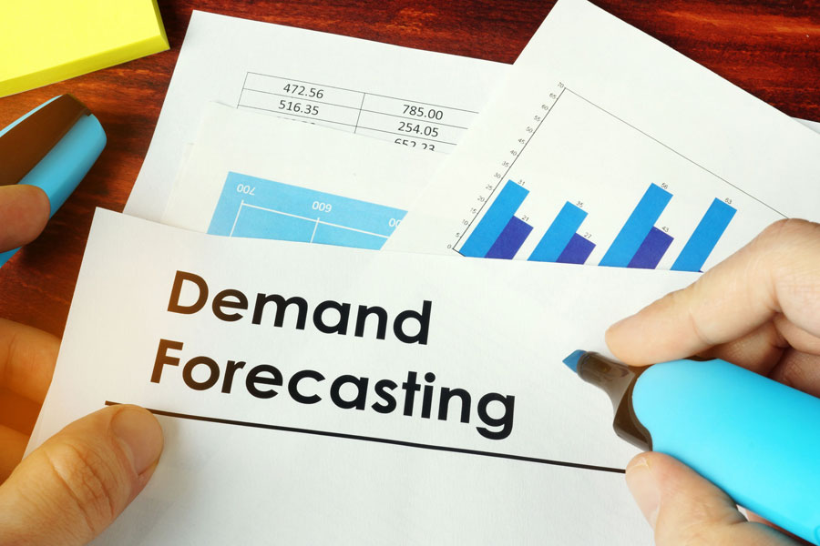 Characteristics of Demand Forecasting in Supply Chain Management