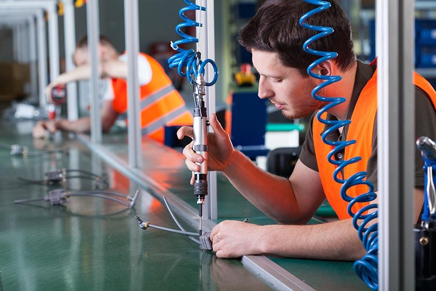 劳动力资源可能成为生产的瓶颈